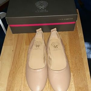 New in box Vince Camuto tan ballet flat shoes